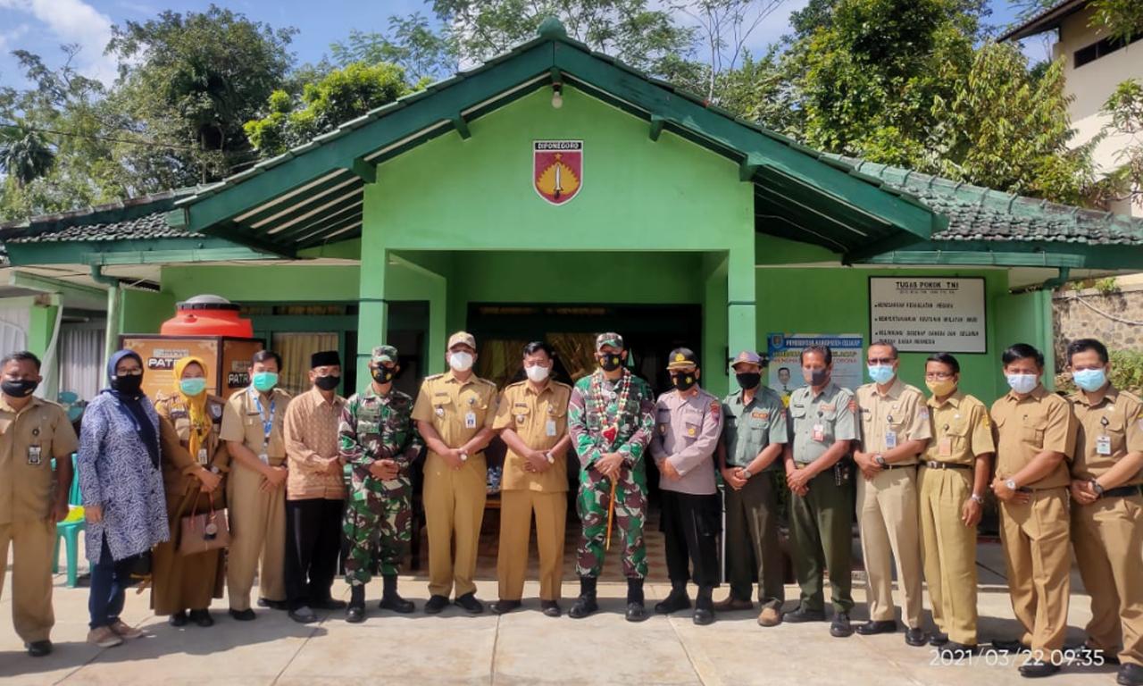 Kunjungan Kerja Komandan Kodim 0703 Cilacap Ke Kantor Koramil 17 Dayeuhluhur Kec Dayeuhluhur Kab Cilacap Jateng Jurnal Media Indonesia