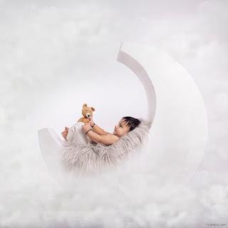 Baby Photoshoot Pose