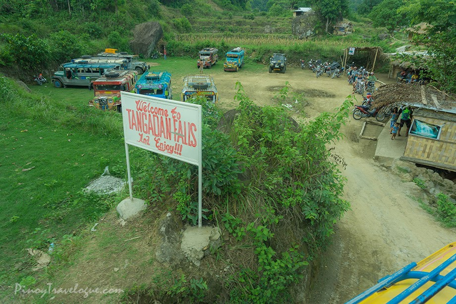 Jumping-off point to Tangadan Falls where vehicles park
