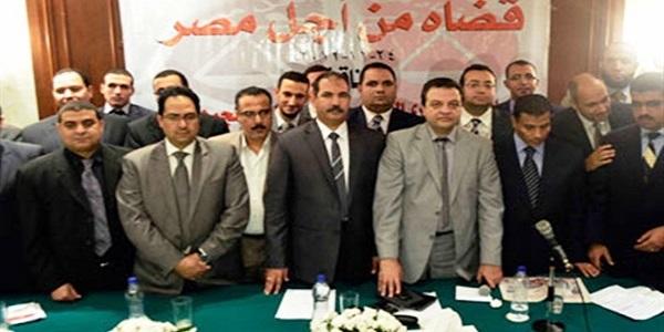 """إحالة 14 قاضيا من المنتمين لحركة """"قضاة من أجل مصر"""" للمعاش"""