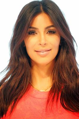 Kim Kardashian - Eva Rinaldi - Hello, Handbag