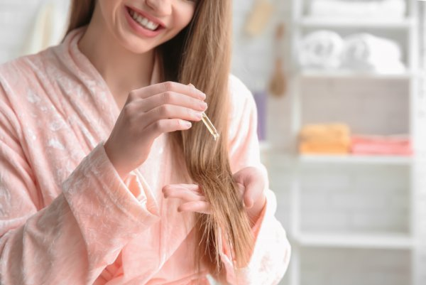 4-Manfaat-Menggunakan-Vitamin-Rambut-Rontok
