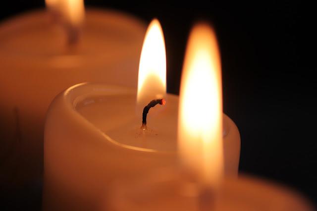 Kindling The Sabbath Light | לְכָה דוֹדִי
