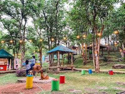 Suasana di Banaran 9 Resto Coffee and Tea, Sensasi Ngopi di Alam Terbuka