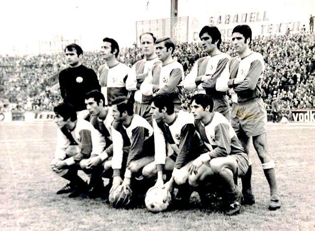 C. D. SABADELL C. F. Temporada 1969-70. Martínez, Isidro, Pini, Arnal, Marañón, Montesinos. Ortuño, Romero, Palau, Garzón y Cristo. C. D. SABADELL C. F. 3 C. F. BARCELONA 2. 01/02/1970. Campeonato de Liga de 1ª División, jornada 21. Sabadell, Barcelona, estadio de la Nova Creu Alta. GOLES: 0-1: 19', Alfonseda. 0-2: 46', Rexach. 1-2: 47', Marañón. 2-2: 57', Marañón. 3-2: 83', Palau.
