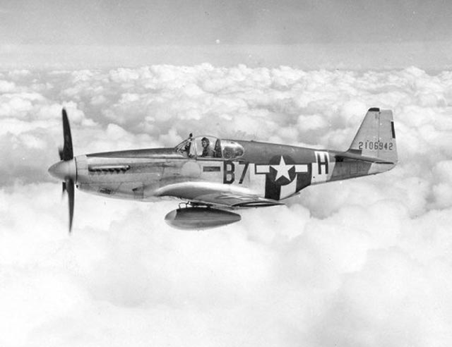 P-51D Mustang worldwartwo.filminspector.com
