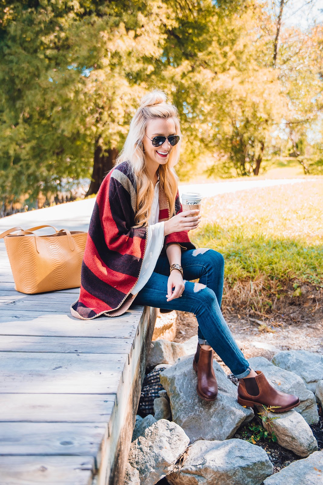 outdoor fall cape poncho outfit ideas