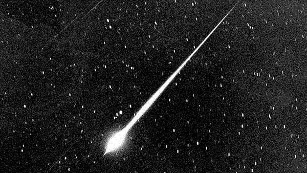 Viral Diduga Meteor Jatuh di Sulteng, Lapan: Asteroid Masuk Atmosfer