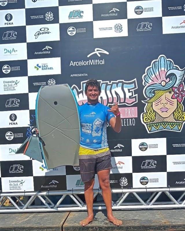Bodyboarder de Campos nas oitavas de final do Circuito Brasileiro de Bodyboarding, em Vila Velha - ES