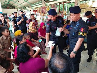 Himbauan Isue Convid 19 dan Sosialisasi kebersihan, Brimob Batalion C Pelopor Polda kunjungi Terminal Harjamukti Kota Cirebon