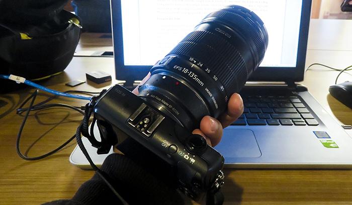 Senjata: Canon EOS M & Lensa Sapu Jagat Canon 18-135 mm
