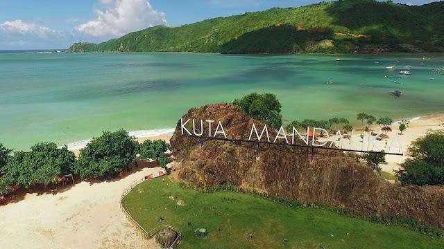 Pantai kuta Lombok . Lombok Kuta beaches