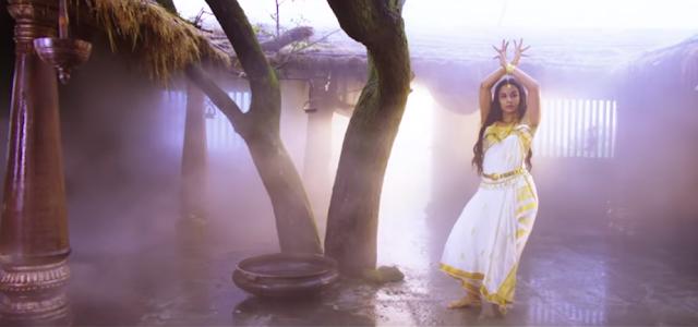 Vidya Balan in the movie Ek Yodha Shoorveer.