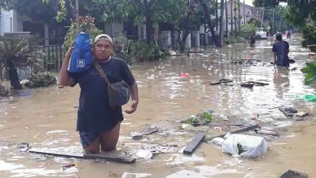 Penyakit Mematikan Saat Kamu Terlalu Lama Terkena Genangan Air Banjir