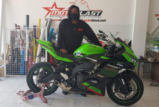Kawasaki ZX25R Bali Indonesia