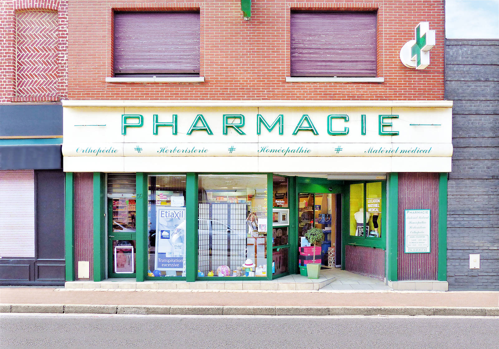 Rue de la Croix-Rouge, Tourcoing - Pharmacie Bouckehove.