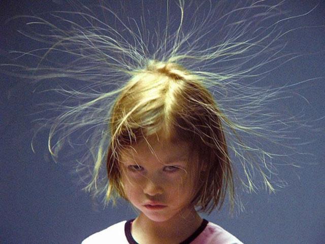 Rambut Berdiri Sebelum Tersambar Petir
