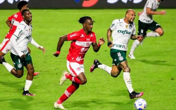 No Rei Pelé, CRB perde para o Palmeiras pela Copa do Brasil