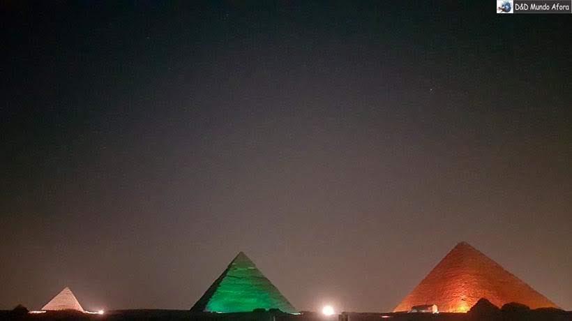 Pirâmides do Egito - Berloques de viagem combinam com destinos inesquecíveis