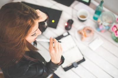 Cara Menulis Artikel Saat Dalam Kesibukan Kerja