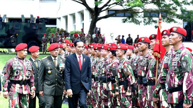Safari Politik, Jokowi Ingin Pertegas Bahwa Jangan Macam-macam dengan Dirinya : kabar Terupdate Hari Ini