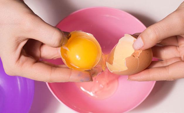 قناع البيض للشعر التالف
