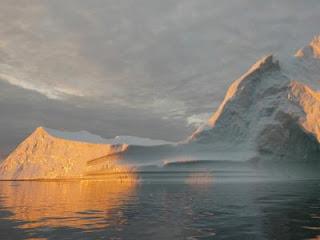 Es Greenland Mencair Lebih Cepat