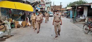 कोतवाली जालौन पुलिस बल द्वारा जालौन में पैदल गस्त कर संदिग्ध व्यक्ति/वाहन चेकिंग  -अपर पुलिस अधीक्षक जालौन                                                                                                                                                     संवाददाता, Journalist Anil Prabhakar.                                                                                               www.upviral24.in
