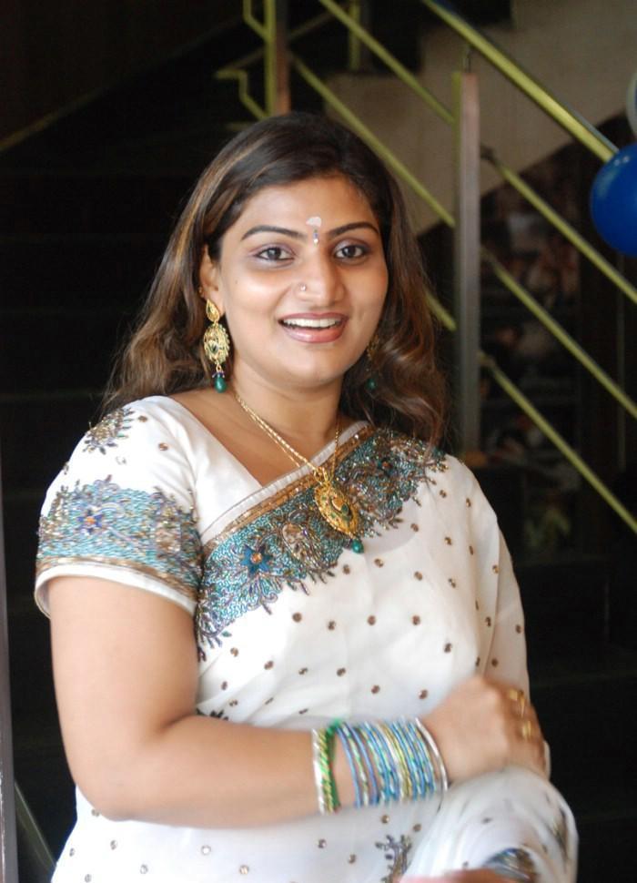 Actress Photos Stills Gallery: Babilona New Saree Photos