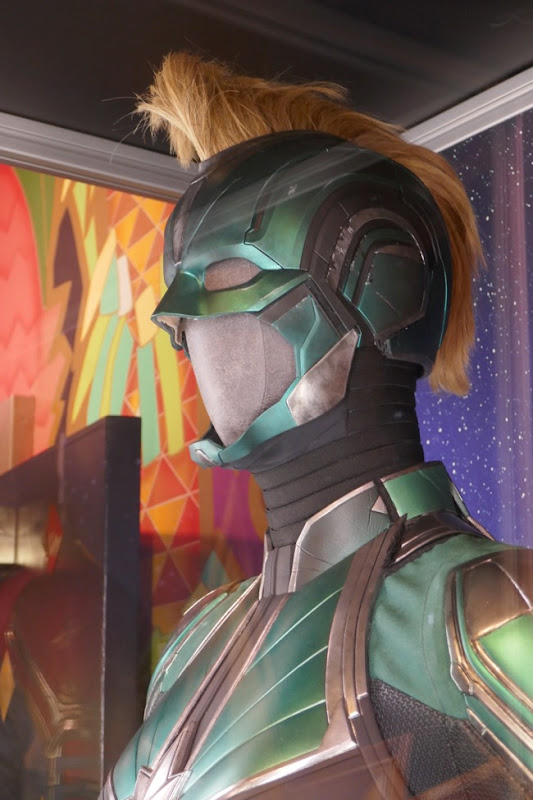 Captain Marvel Vers Starforce helmet