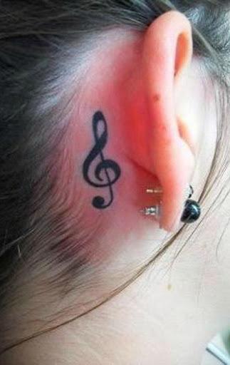 A Música simples Observação da Tatuagem Atrás da Orelha