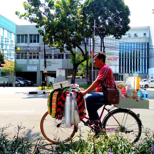 Starling = Starbucks Keliling di Jakarta