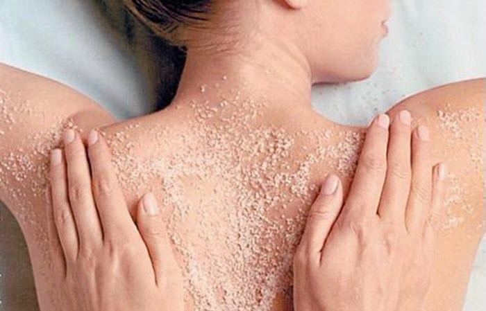 Cách tẩy tế bào chết cho da bằng cát biển
