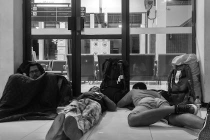 Tidur Menggembel di Stasiun Banyuwangi Baru