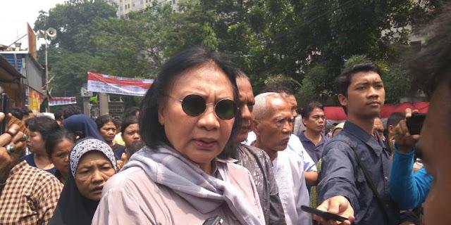 Ratna Suram dan Anggota DPRD Fraksi Gerindra Bersatu, Hadapi Satpol PP di Rawajati
