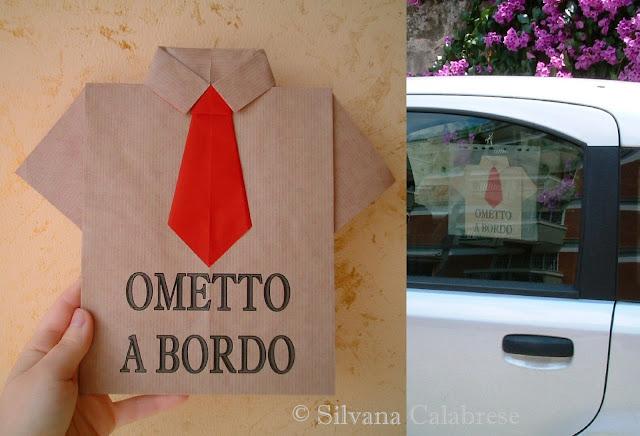 Origami semplici: camicia con cravatta per auto