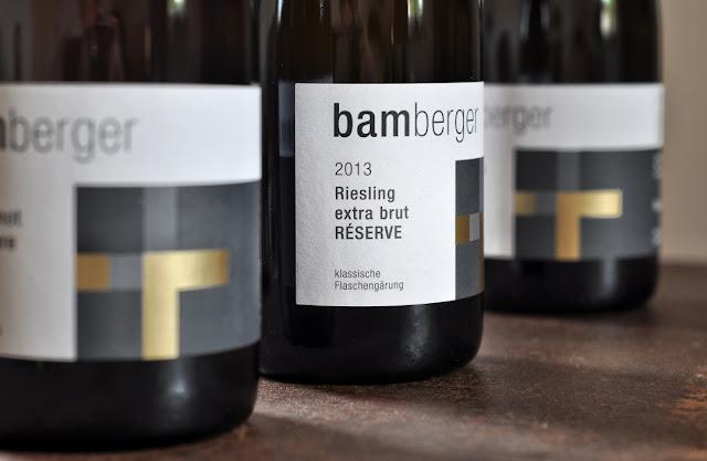 Sekt Riesling Extra but vom Wein- und Sektgut Bamberger.