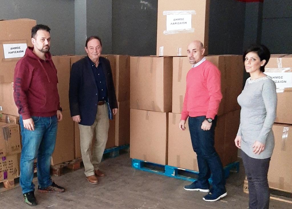 Συνεχίζεται η συγκέντρωση βοήθειας στη Λάρισα για τους σεισμόπληκτους της Αλβανίας