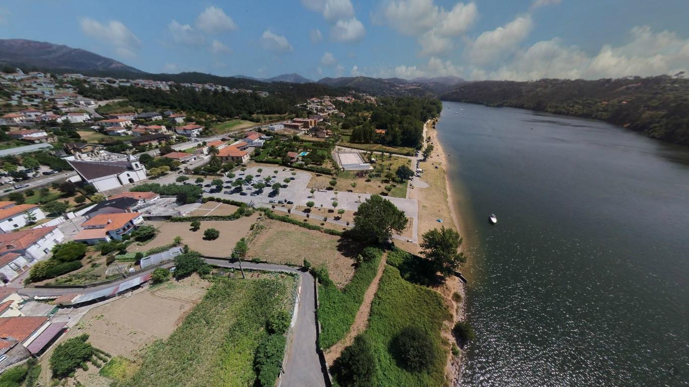 Vista aérea Praia Fluvial Melres