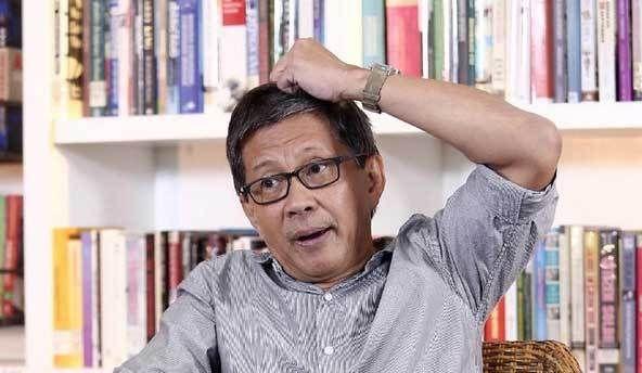 Tanggapi Kerumunan Tanah Abang, Rocky Gerung: Kenapa Salahin Anies, Sri Mulyani yang Nyuruh Belanja!