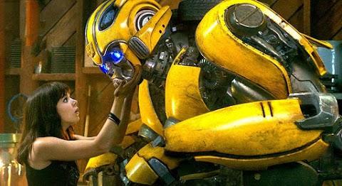 Bumblebee: Persahabatan Seorang Gadis dengan Robot Amnesia