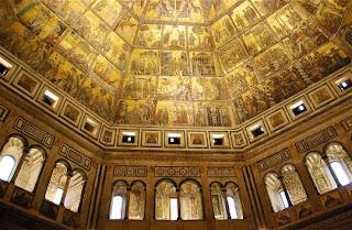 scorcio dell'interno del Battistero di Firenze