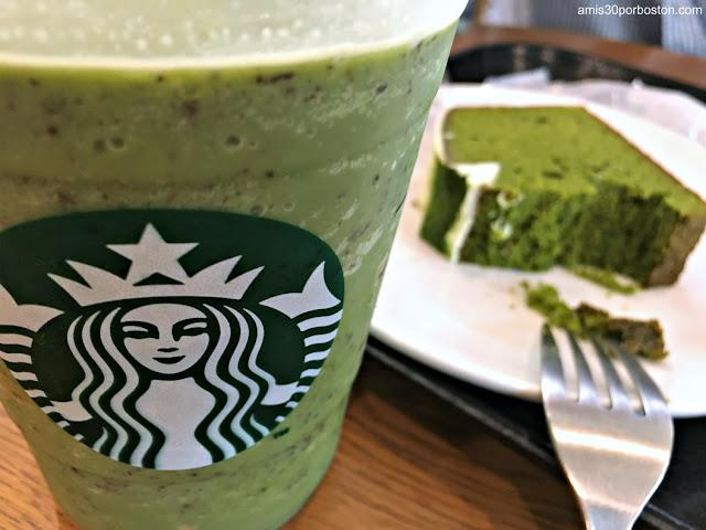 Matcha con Pepitas de Chocolate en Starbucks, Tokio