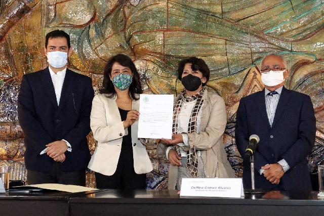 Designa Delfina Gómez Álvarez a Adela Piña Bernal como nueva titular de la Usicamm