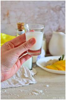 como hacer leche de coco casera. Ingredientes de la leche de coco: como tomar leche de coco en lata. para que se utiliza la leche de coco Mango Sticky rice