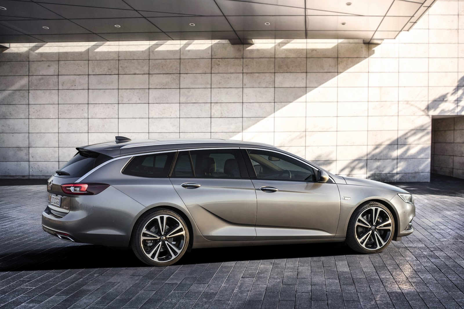 Meet The New Opel Insignia Sports Tourer Turbo Charged 15 Liter 2018 All Is In Extremely Good Shape It Follows Sporty Example Set By A Large Coup Uncompromisingly Spacious And