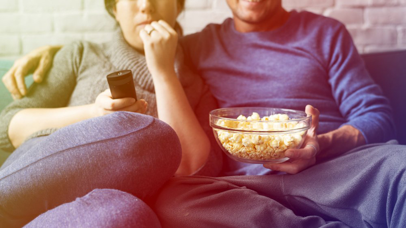This is what really happens when you eat while watching TV