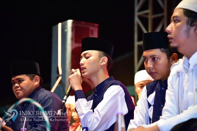 Lirik Assubhubada Gus Azmi Syubbanul Muslimin
