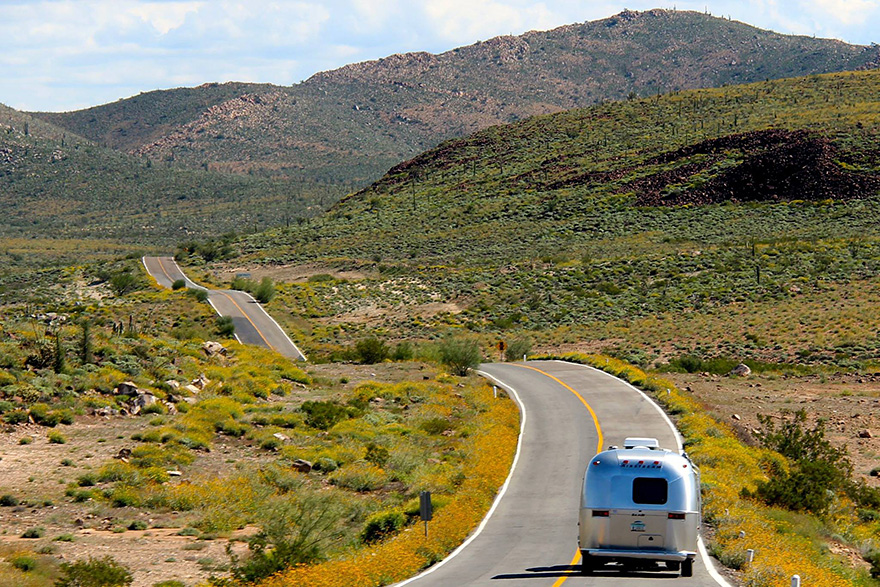 90-Year-Old With Cancer Chooses Epic Road Trip With Family Instead Of Treatment - They left Michigan in an RV in August 2015 and they're still on the road 6 months later!