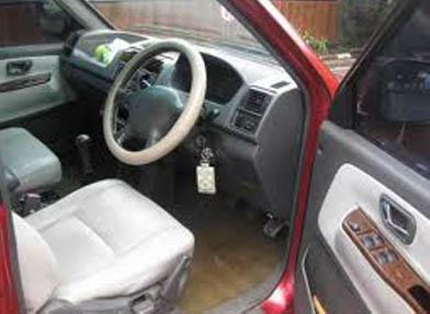MPV Diesel Mitsubishi Kuda Grandia Review MobiLkuOrg